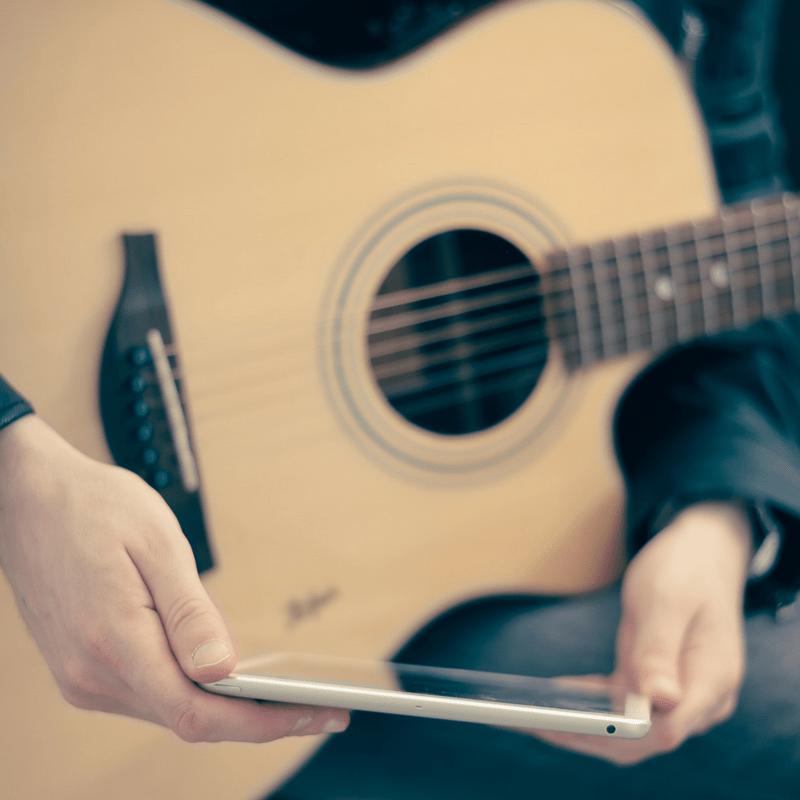 4-apps-para-aprender-a-tocar-guitarra