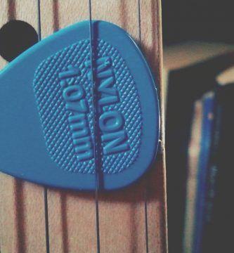 Elegir el pick perfecto para tocar guitarra