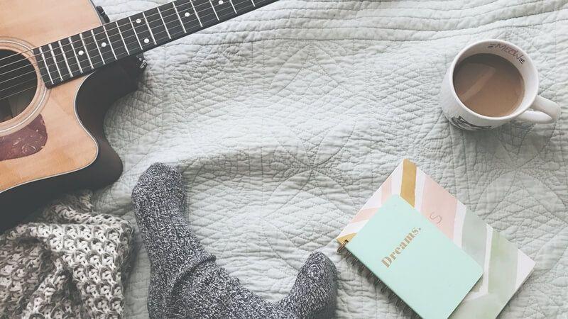 Aprender a tocar guitarra no debe ser un sueño frustrado